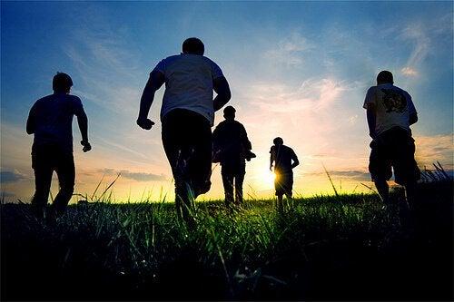 Fordele ved venner er, at man kan motionere sammen