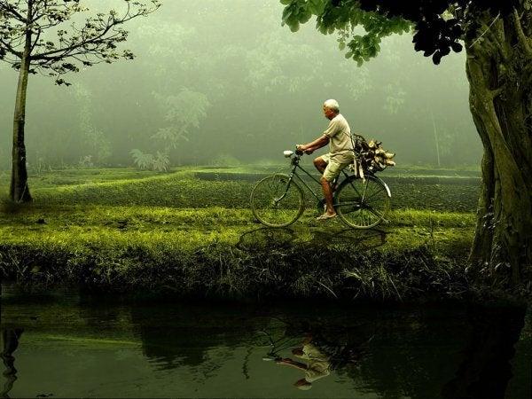Person med selvtillid cykler af svær vej