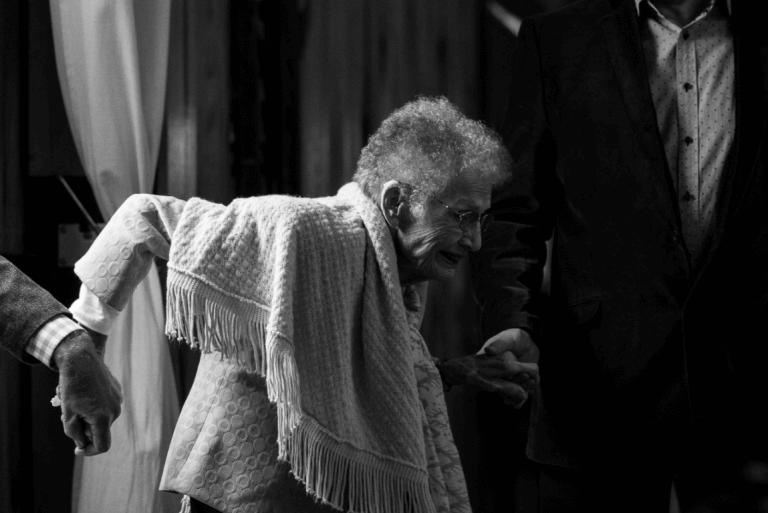 Ældre kvinde med demens