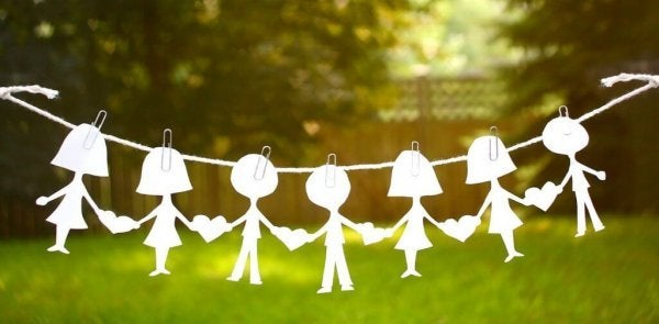 Dukker symboliserer socialpsykologi