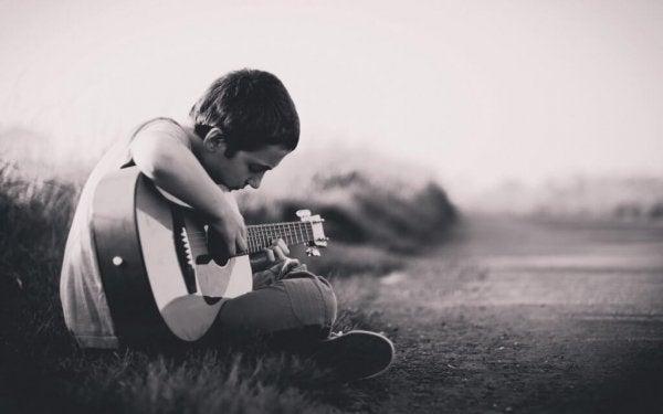 Dreng med guitar