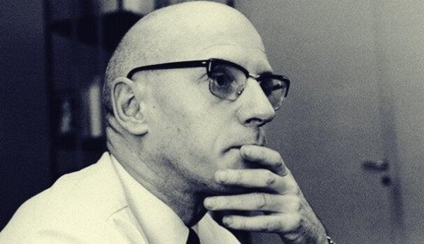 5 imponerende citater af Michel Foucault