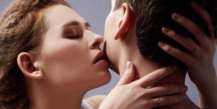 Seksualdrift ifølge Freud illustreres af lidenskabeligt par