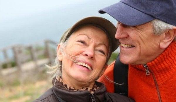 Smilende par formår at ældes lykkeligt