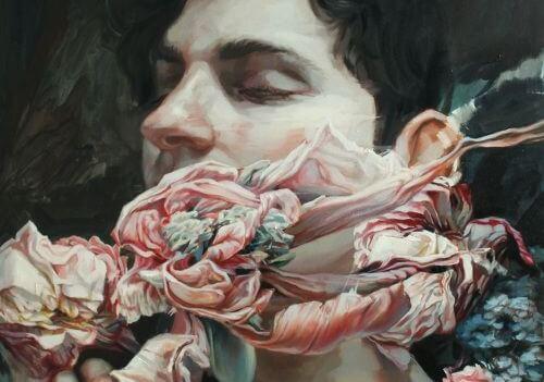 Mand med blomst for munden og lukkede øjne oplever blinde punkter
