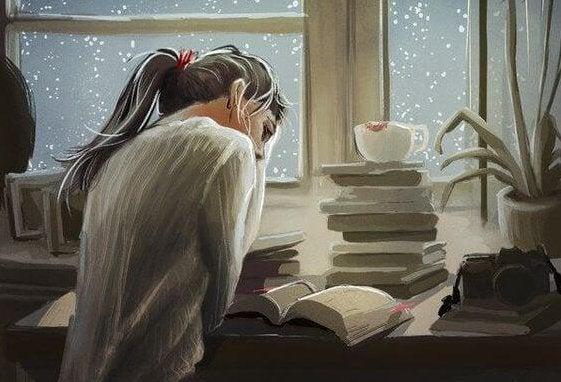 Kvinde læser flittigt for at skabe succes