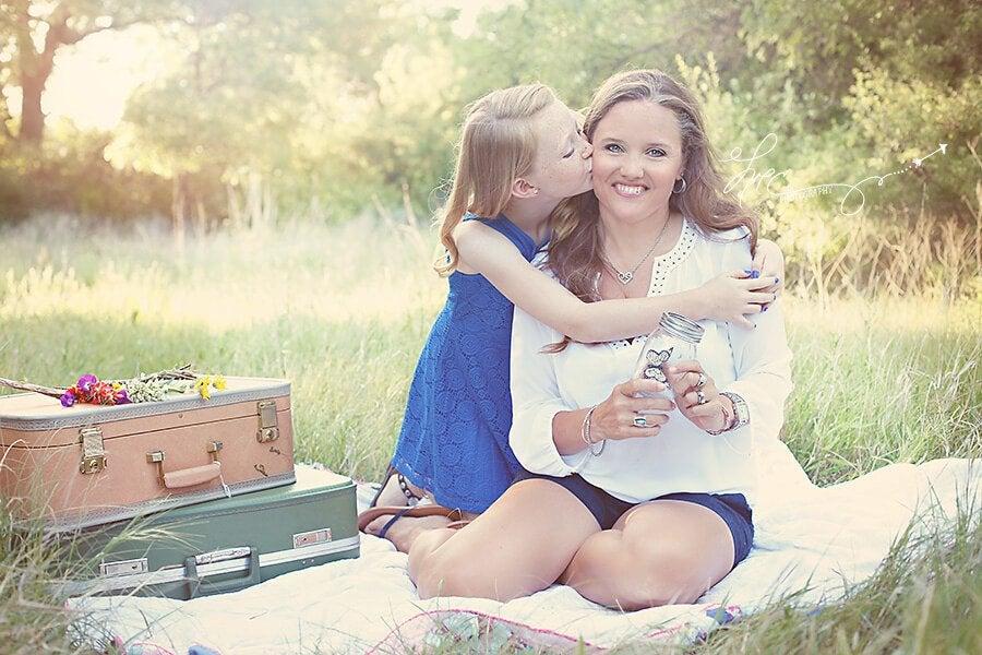 Mor og datter på skovtur