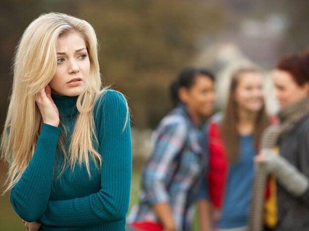 Paranoid kvinde er eksempel på personer afhængige af negativitet
