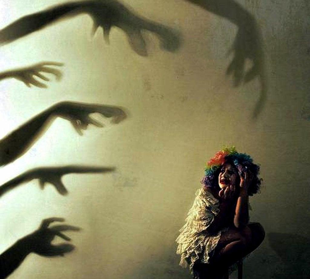 Angst kvinde lider af psykose
