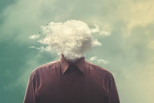 Mand med hoved i sky er eksempel på beordrende mennesker