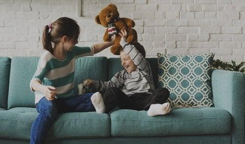 Ældre søskende: et sted mellem sjov og rollemodel