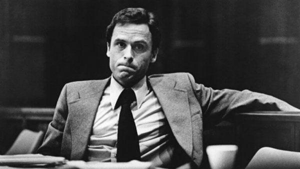 Ted Bundy anvendes som eksempel på ondskabens skala