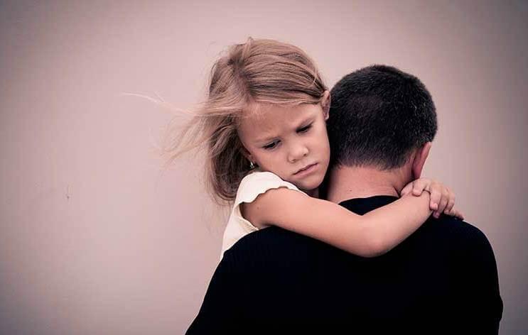 Datter krammer sin far
