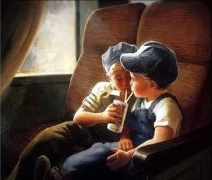To børn i tog deler en dåse sodavand