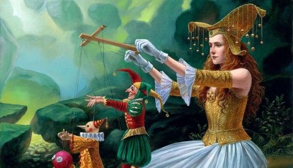 Kvinde i middelaldertøj leger med dukker