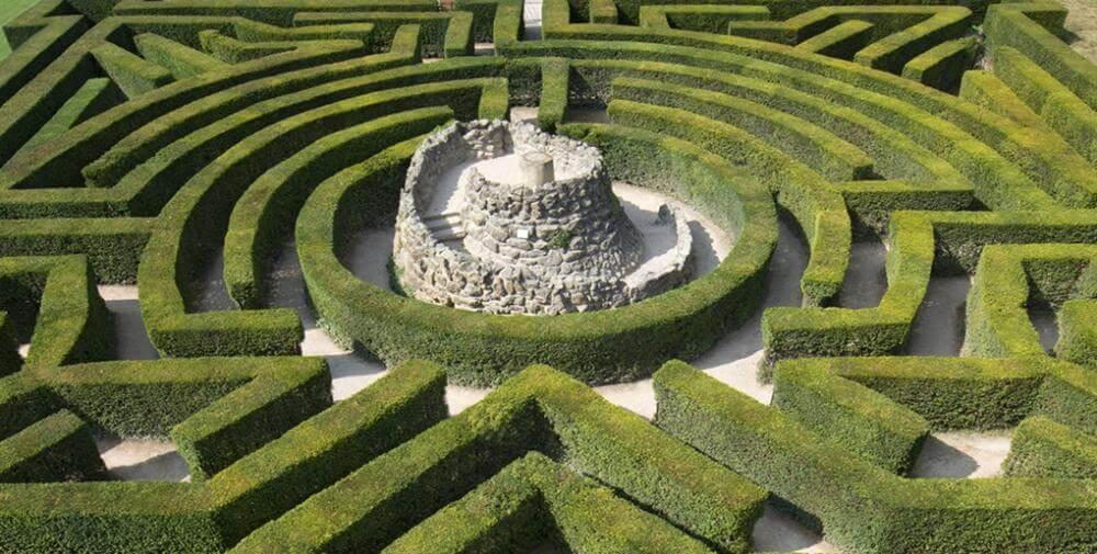 Labyrint af hække