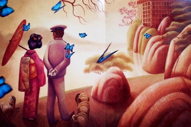 Par går tur i sommerfuglepark som eksempel på ting, man skal gøre i forhold