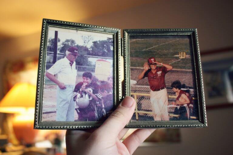 Gamle billeder i hånd