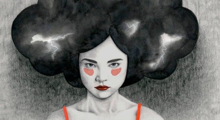 Kvinde med tordensky som hår