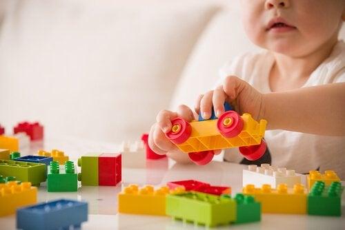 Forholdet mellem leg og børneudvikling