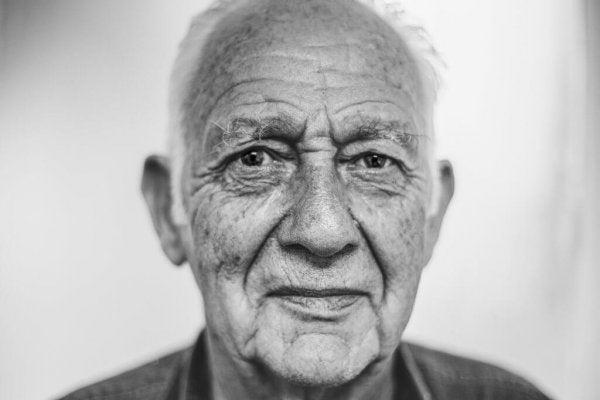 Mand nyder aktiv aldring