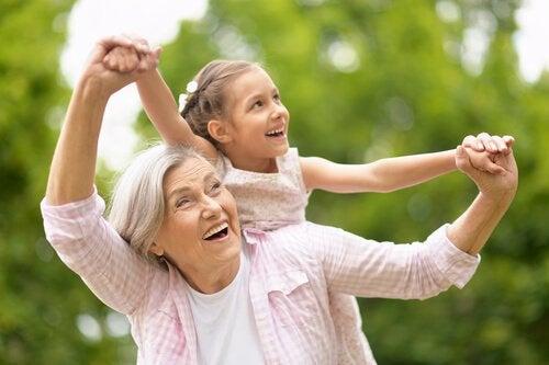 Bedsteforældres rolle er vigtig i familien