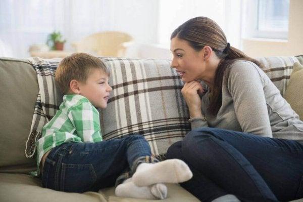 6 tips til at forbedre kommunikation mellem forældre og børn