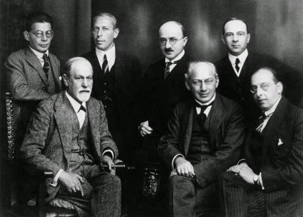 Foruden Freud - skoler og forfattere bag psykoanalyse