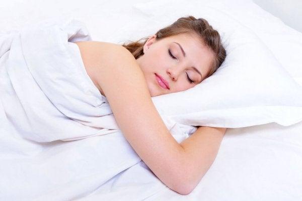 Kvinde sover