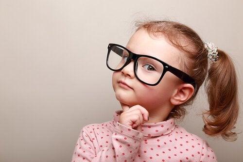 Hvordan kommer børn med moralske domme?