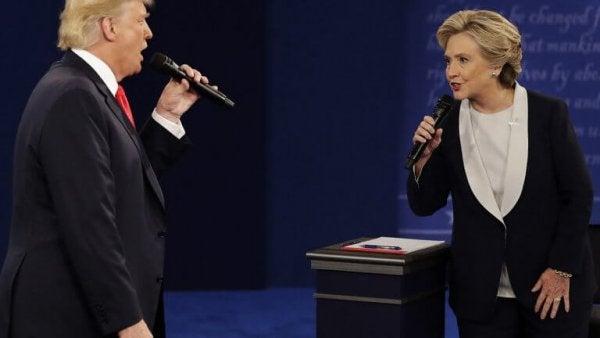 To politikere anvender ikke-verbal kommunikation