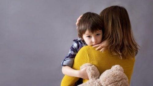 Børn ændrer adfærd når mor er psykisk belastet