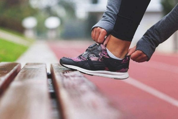 ude og dyrke motion