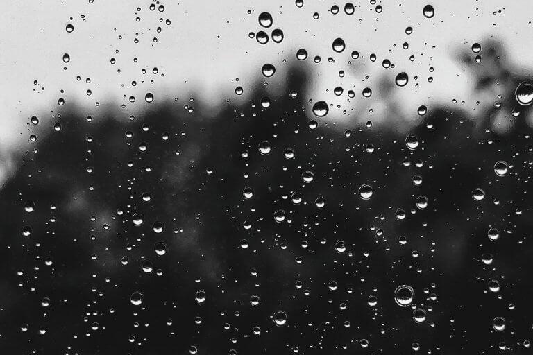 regn på rude