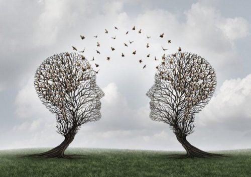 Træer som er formet som hoveder