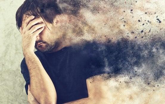 Mand med patologisk angst bliver til støv