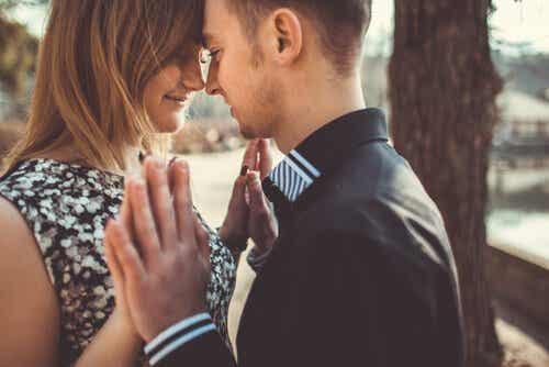 Lær at elske i balancerede og sunde forhold