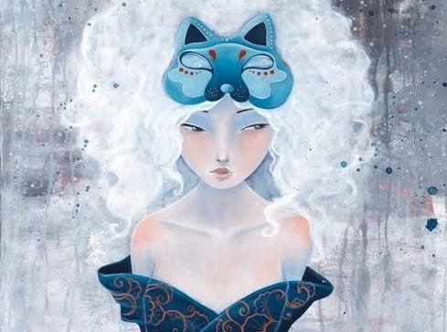 Kvinde med kattemaske