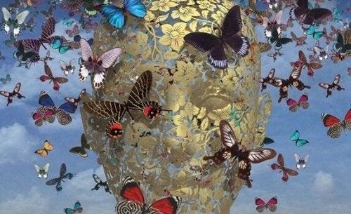Ansigt lavet af sommerfugle