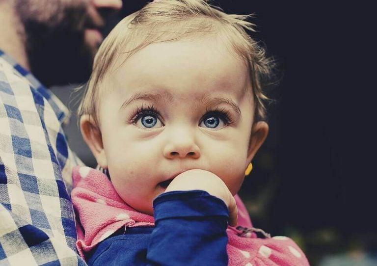 Ved du, hvad babyer lærer at gøre mellem 4-6 måneder?
