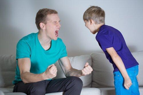 At råbe af børn kan få dem til at råbe af os