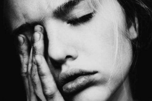 Kvinde har problemer med at vende tilbage til livet efter et traume