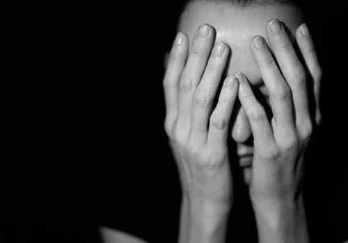 Situationer med misbrug - hvorfor er det så svært at komme ud?