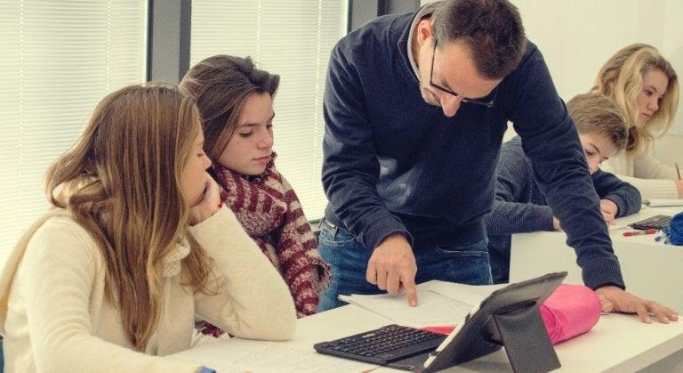 Lærere bør inspirere eleverne og indse, at pensum er ikke vigtigst