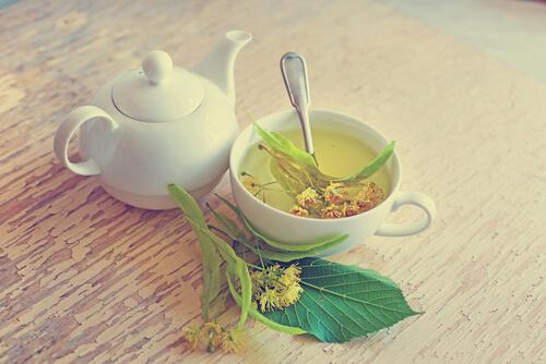 te med limeblomst