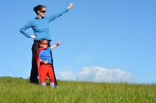 Børn beskyttet af supermødre