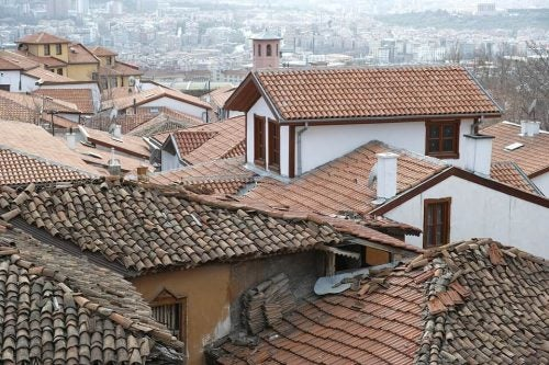 Tage på huse i en nostalgisk by
