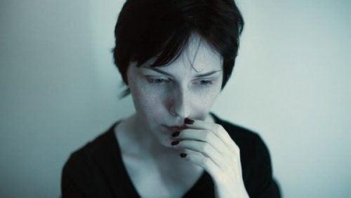 Kvinde oplever panikanfald