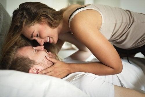 Derfor er hyppigere sex godt for dit forhold