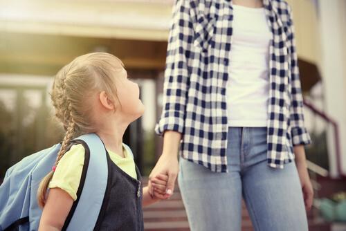 Hjælp dit barn til at få den bedste første skoledag